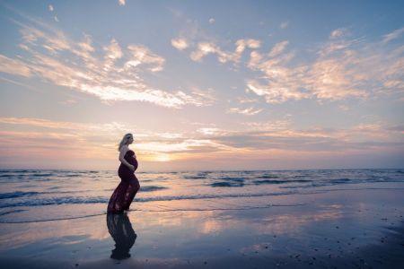 Zwangerschapsshoot wijk aan zee zwangerschapsjurk
