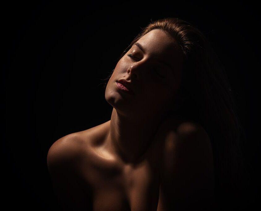 Fotoshoot studio Nijmegen (portret, boudoir, bodyscape)